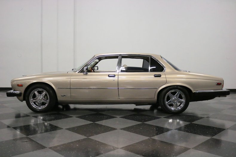 1983 Jaguar XJ6 7