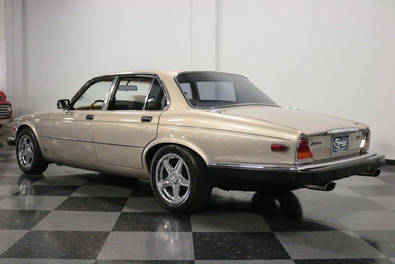 1983 Jaguar XJ6 9