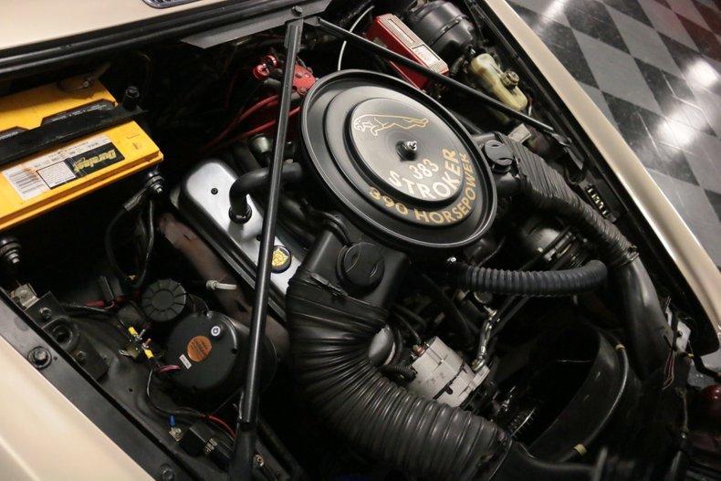 1983 Jaguar XJ6 40