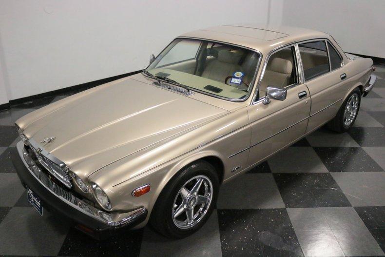 1983 Jaguar XJ6 21