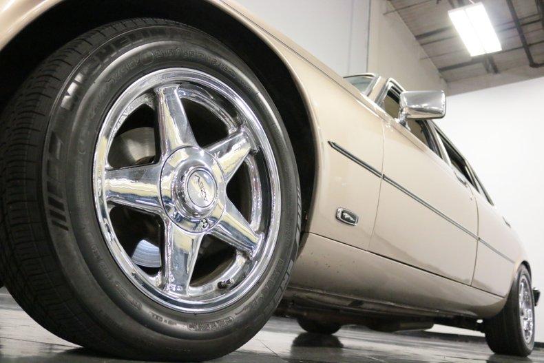 1983 Jaguar XJ6 24