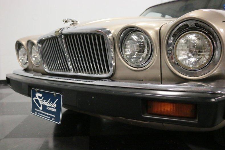 1983 Jaguar XJ6 23