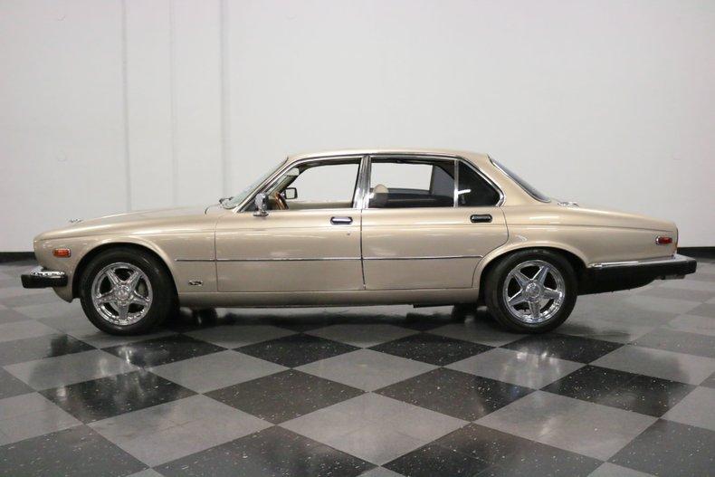1983 Jaguar XJ6 2