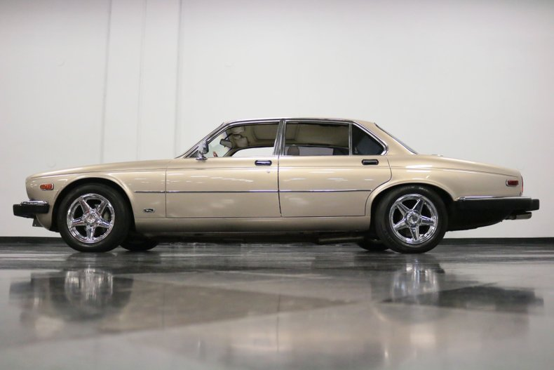 1983 Jaguar XJ6 25