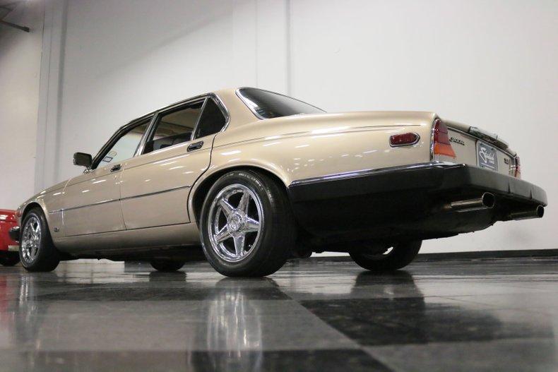 1983 Jaguar XJ6 29