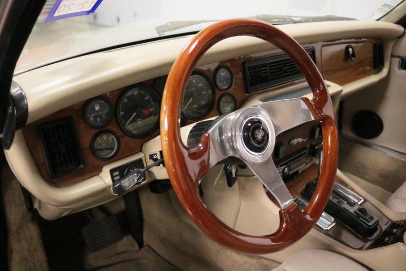 1983 Jaguar XJ6 49