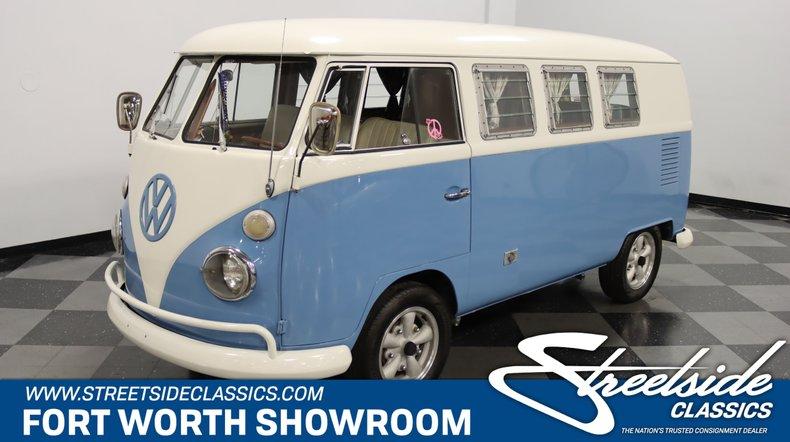 1967 Volkswagen Bus 1