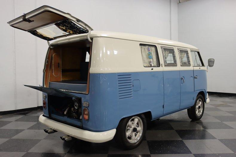 1967 Volkswagen Bus 37