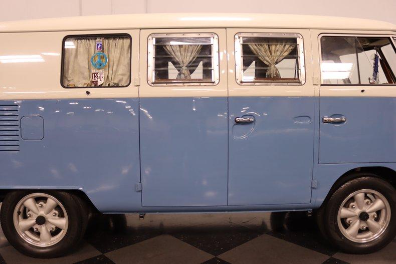 1967 Volkswagen Bus 34