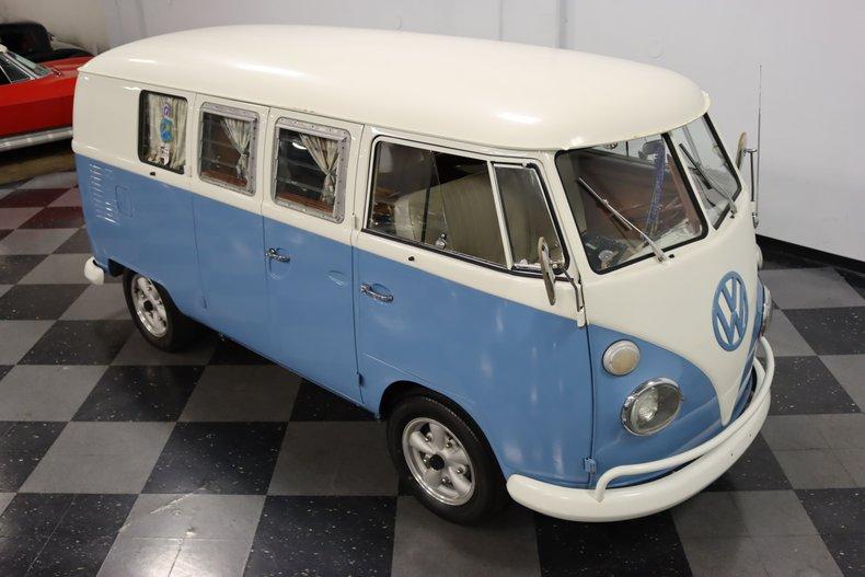 1967 Volkswagen Bus 72