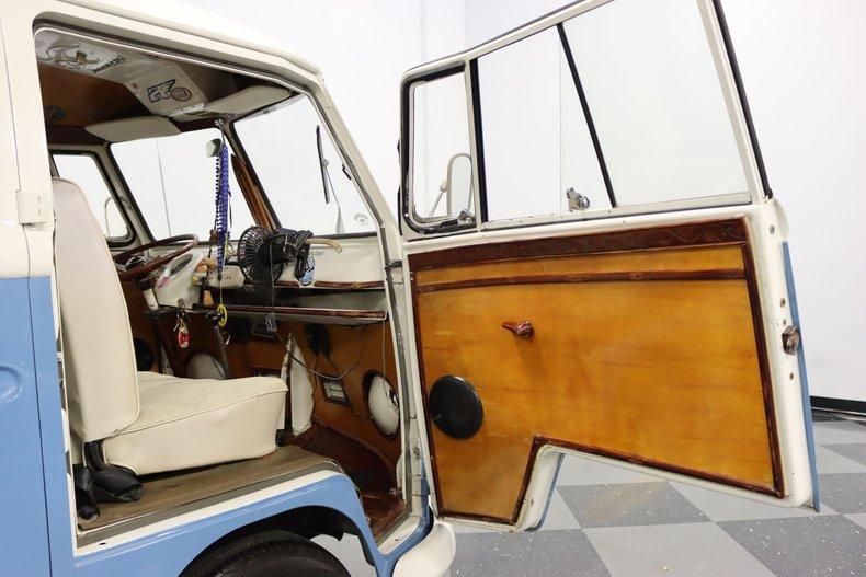 1967 Volkswagen Bus 60
