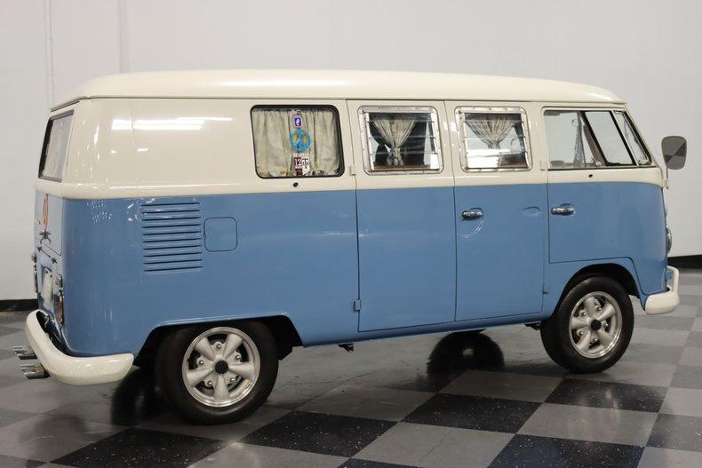 1967 Volkswagen Bus 14