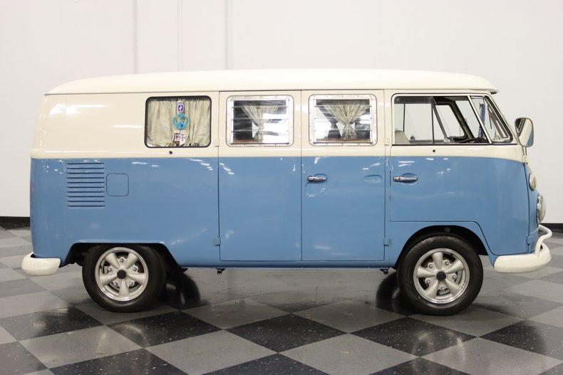 1967 Volkswagen Bus 15