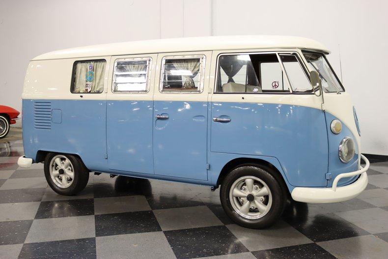 1967 Volkswagen Bus 16