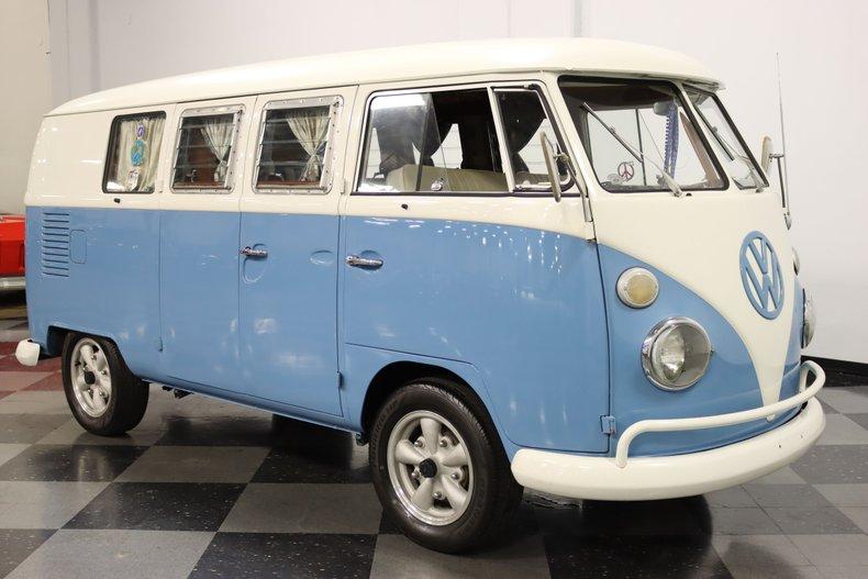 1967 Volkswagen Bus 17