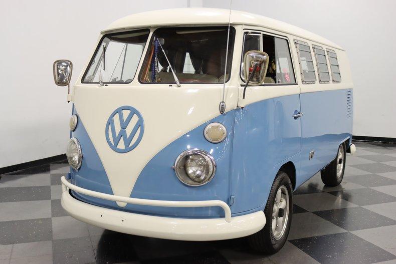 1967 Volkswagen Bus 20