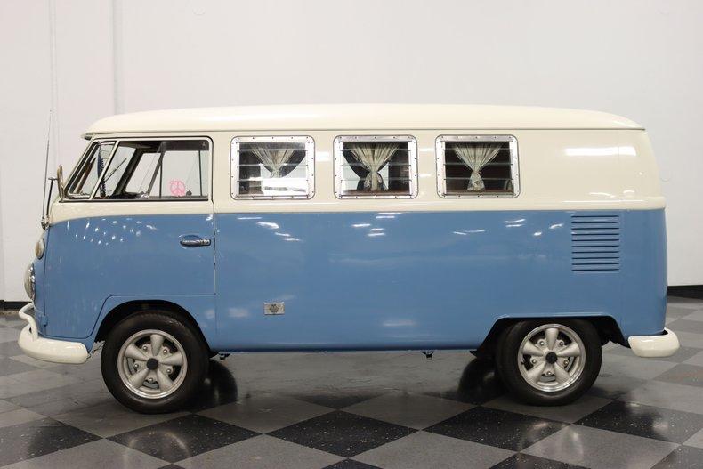 1967 Volkswagen Bus 7