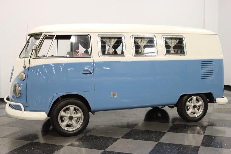 1967 Volkswagen Bus 6
