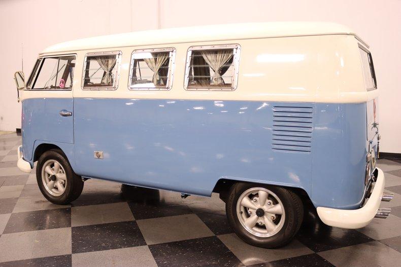 1967 Volkswagen Bus 8