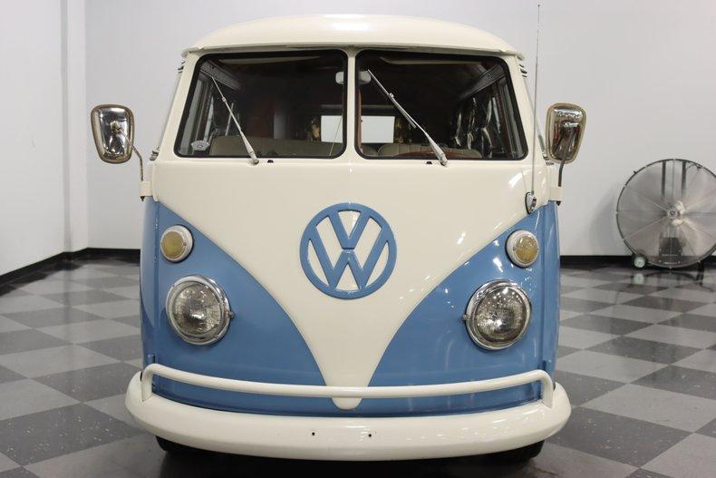 1967 Volkswagen Bus 74