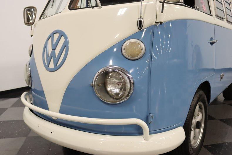 1967 Volkswagen Bus 21
