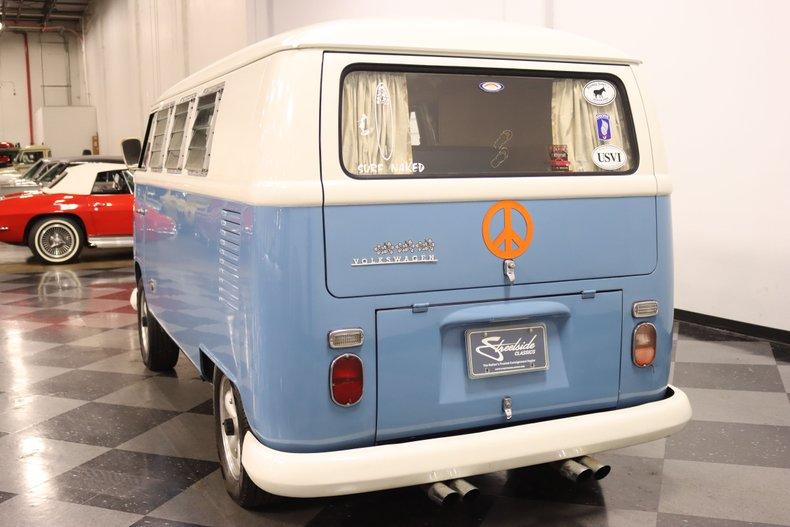 1967 Volkswagen Bus 10