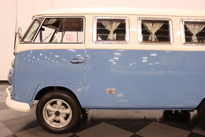 1967 Volkswagen Bus 24