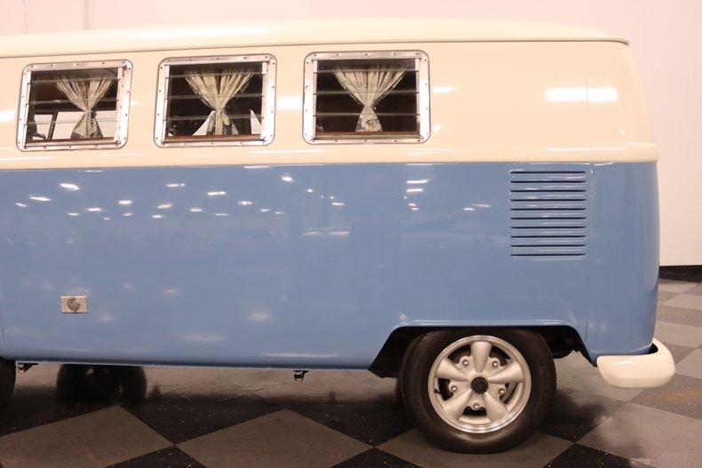 1967 Volkswagen Bus 26