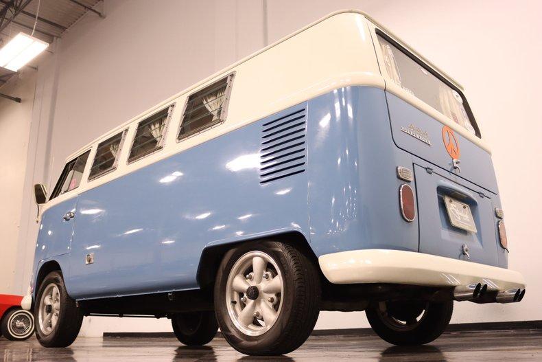 1967 Volkswagen Bus 27