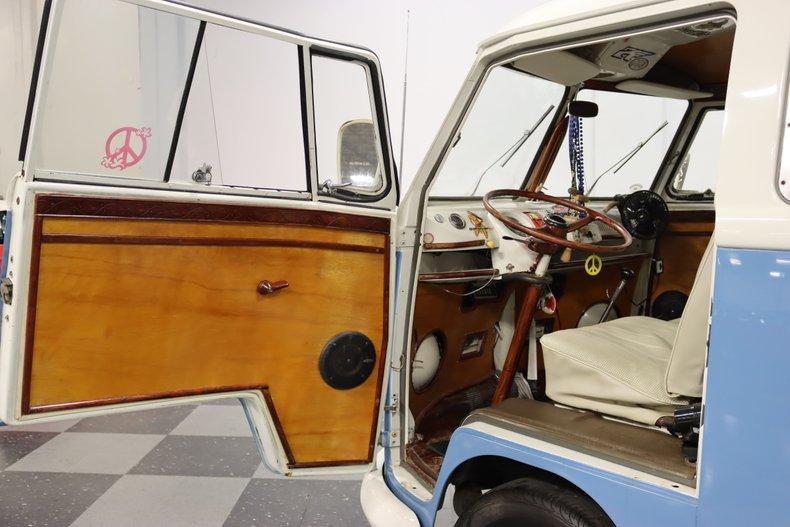 1967 Volkswagen Bus 40