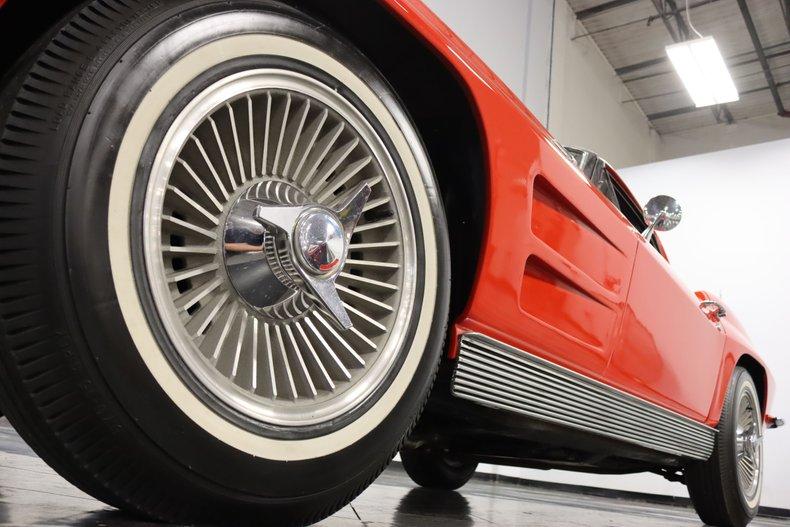 1963 Chevrolet Corvette 24