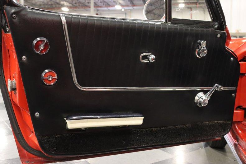 1963 Chevrolet Corvette 43