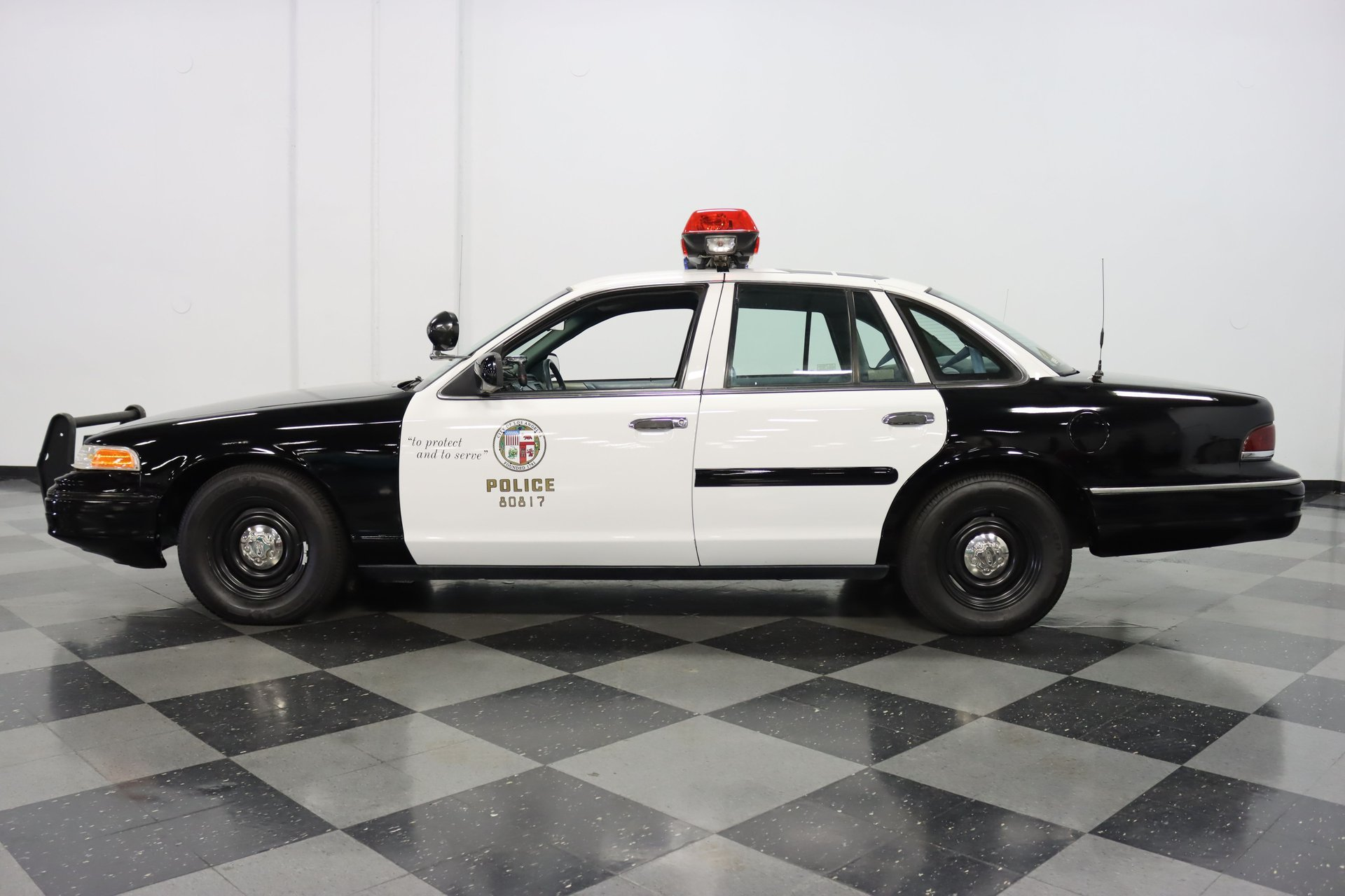 1993 ford crown victoria police cruiser
