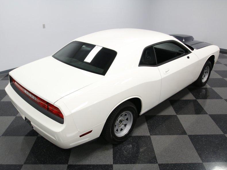 2009 Dodge Challenger 19