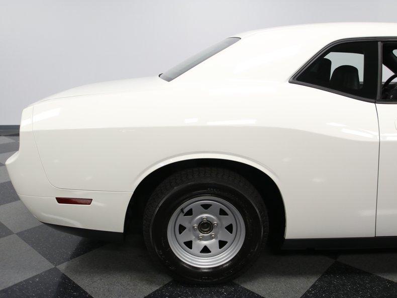 2009 Dodge Challenger 25