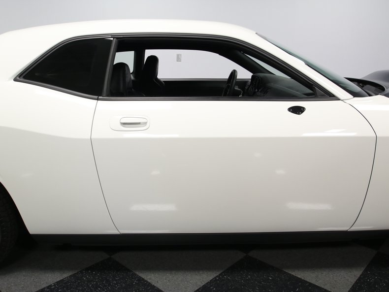 2009 Dodge Challenger 26