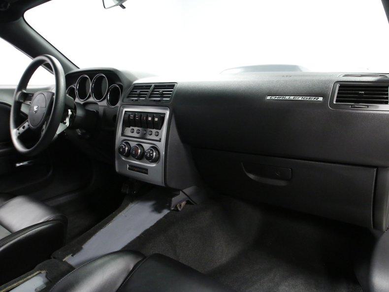2009 Dodge Challenger 49