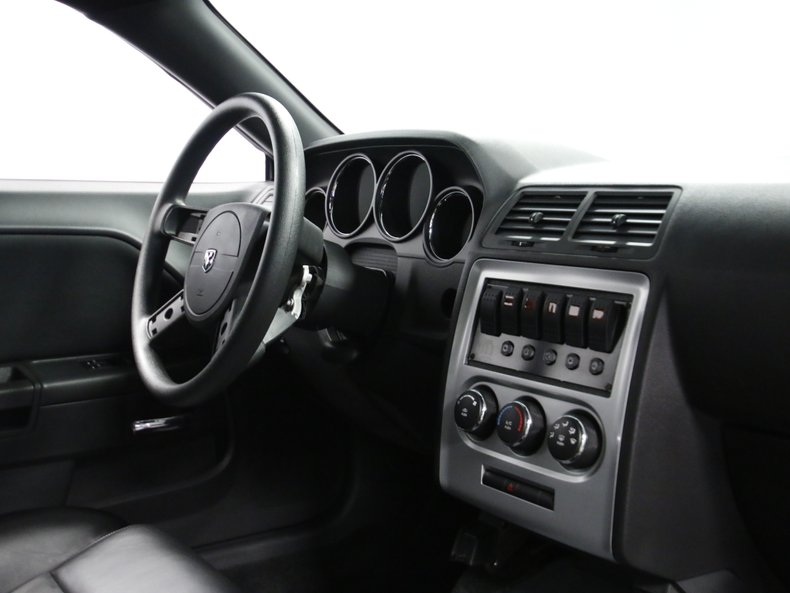 2009 Dodge Challenger 50