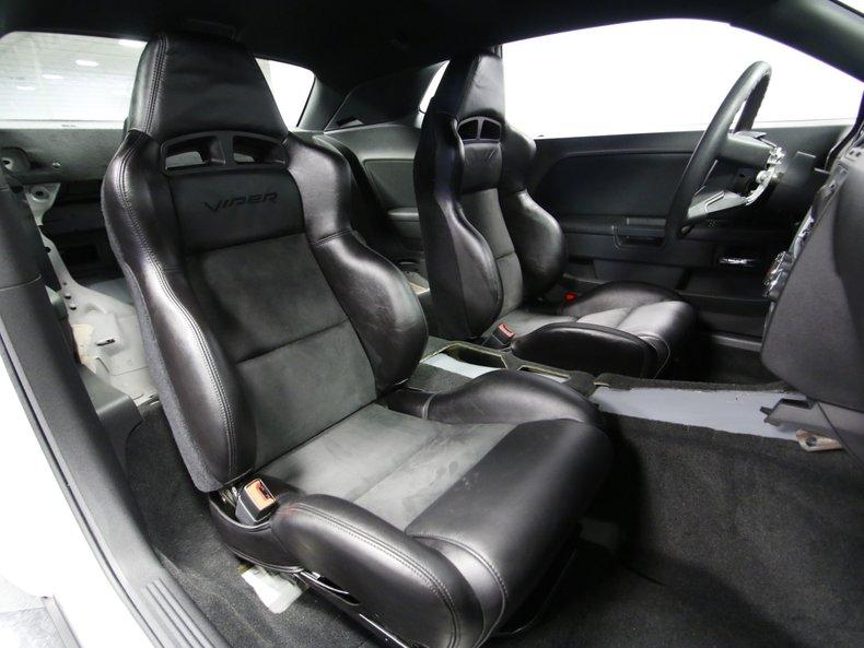 2009 Dodge Challenger 47