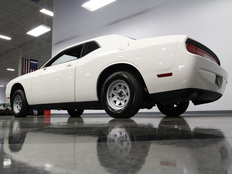 2009 Dodge Challenger 16