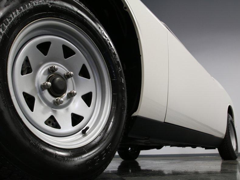 2009 Dodge Challenger 10