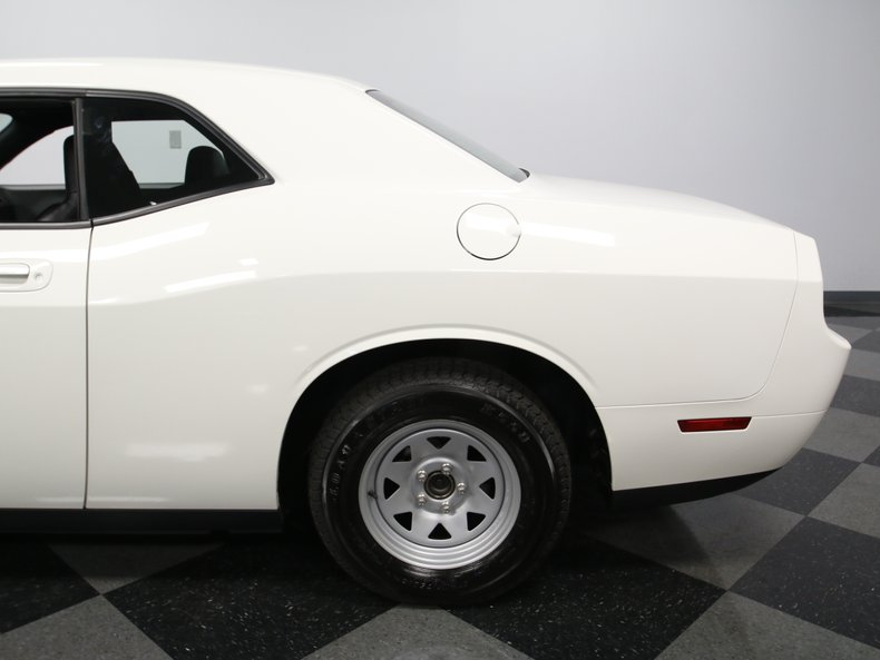 2009 Dodge Challenger 14