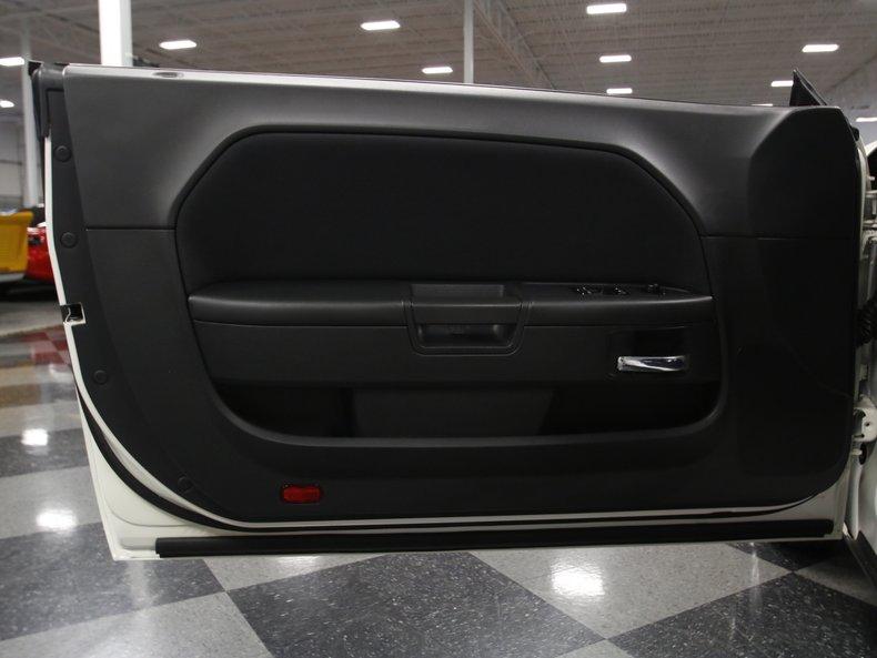 2009 Dodge Challenger 38