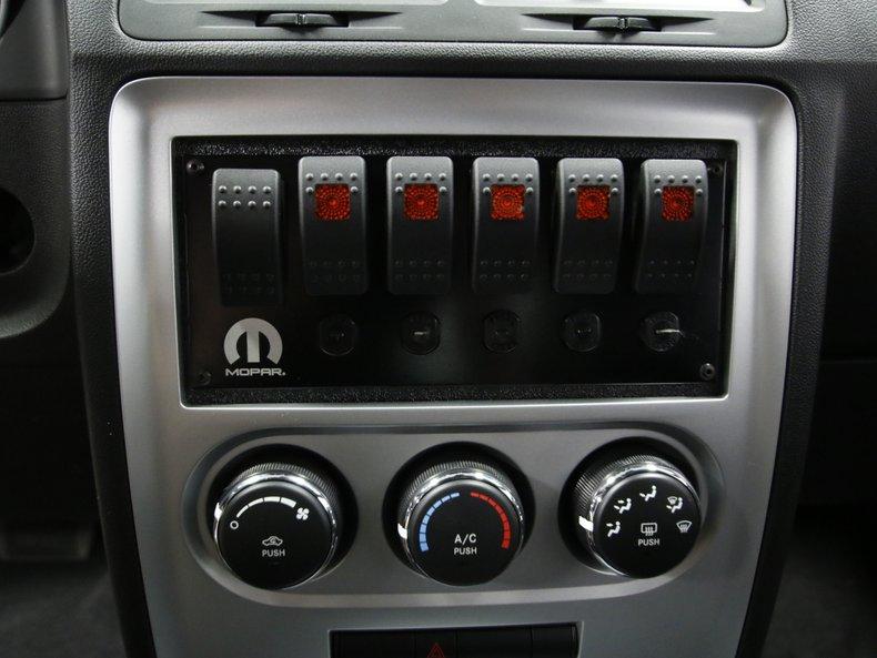 2009 Dodge Challenger 42