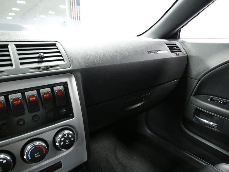 2009 Dodge Challenger 43