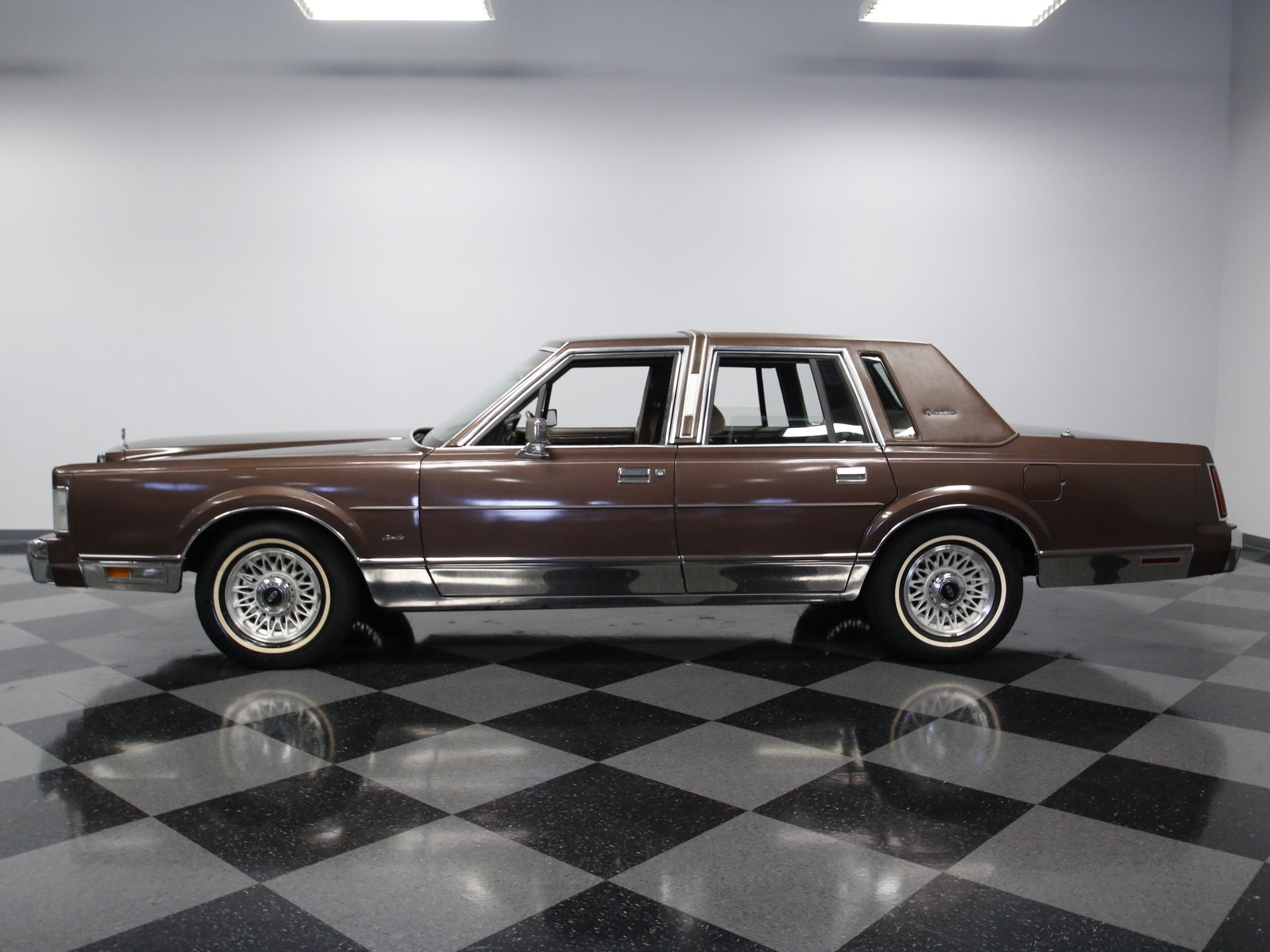 1987 Lincoln Town Car Streetside Classics The Nations Trusted 1941 View 360