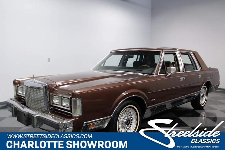 1987 Lincoln Town Car Streetside Classics The Nation S Trusted
