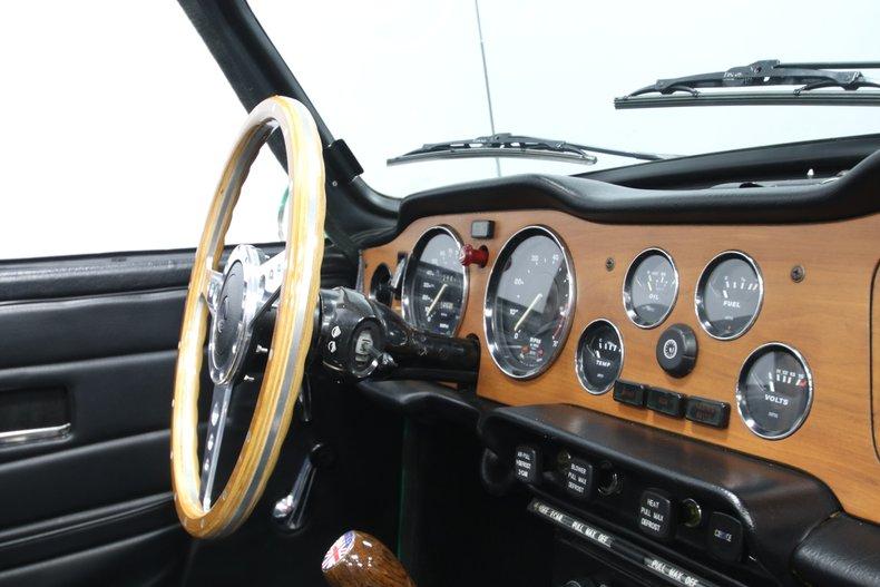 1976 Triumph TR6 57