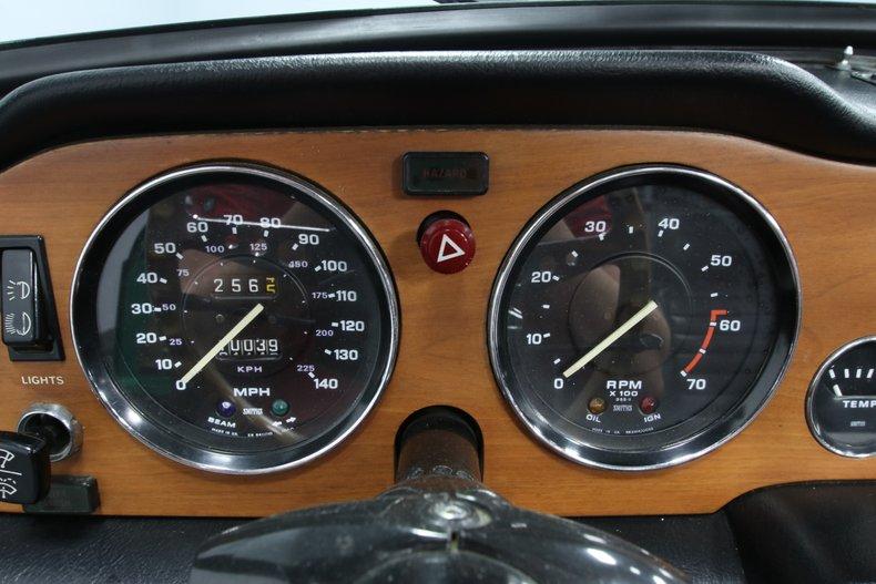 1976 Triumph TR6 48