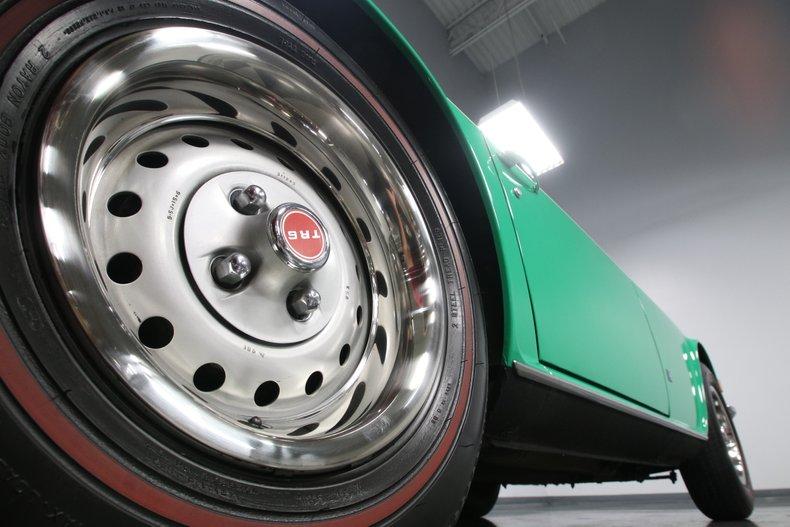 1976 Triumph TR6 32